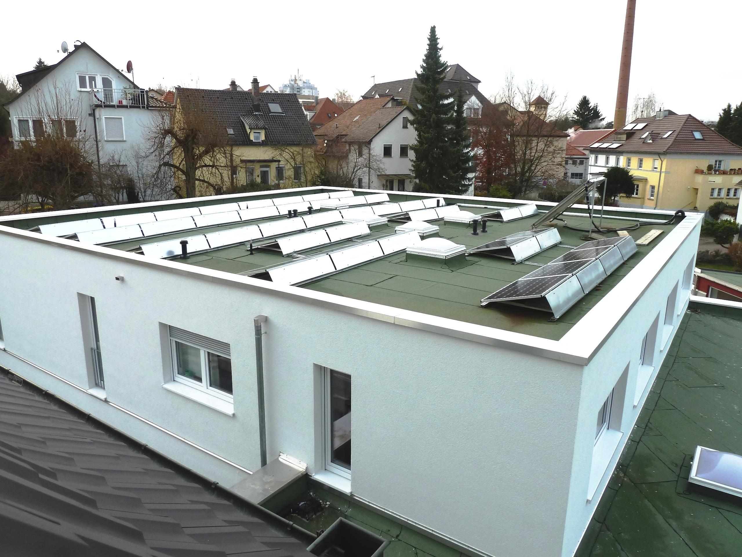 Dach-von-kirche-aus