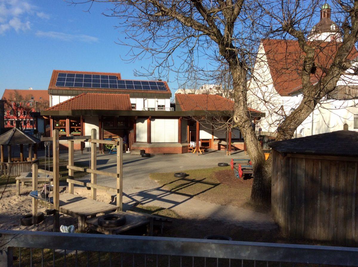 Neue PV – Anlage auf einem kirchlichen Kindergarten ist am Netz